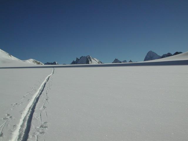 ersatz-25l-01_20030413_glacierdotemma-ost_swisstoptotop